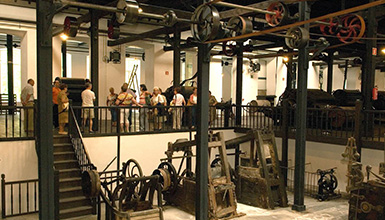 fc508e276b384 Boinas La Encartada Museoa. Fachada (foto  S. Yaniz). Visita guiada (foto   S. Yaniz)